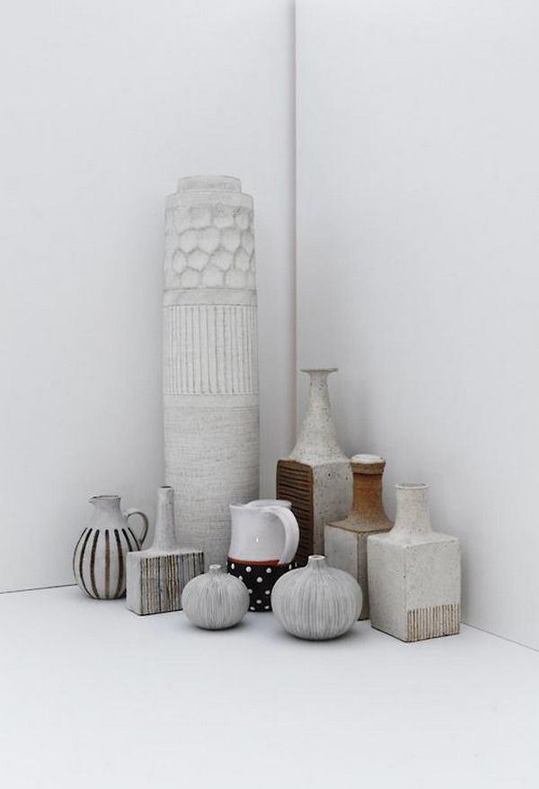 Декор в цветах: светло-серый, белый, коричневый. Декор в .