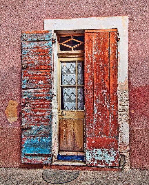 Архитектура в цветах: серый, светло-серый, бордовый, розовый, коричневый. Архитектура в .