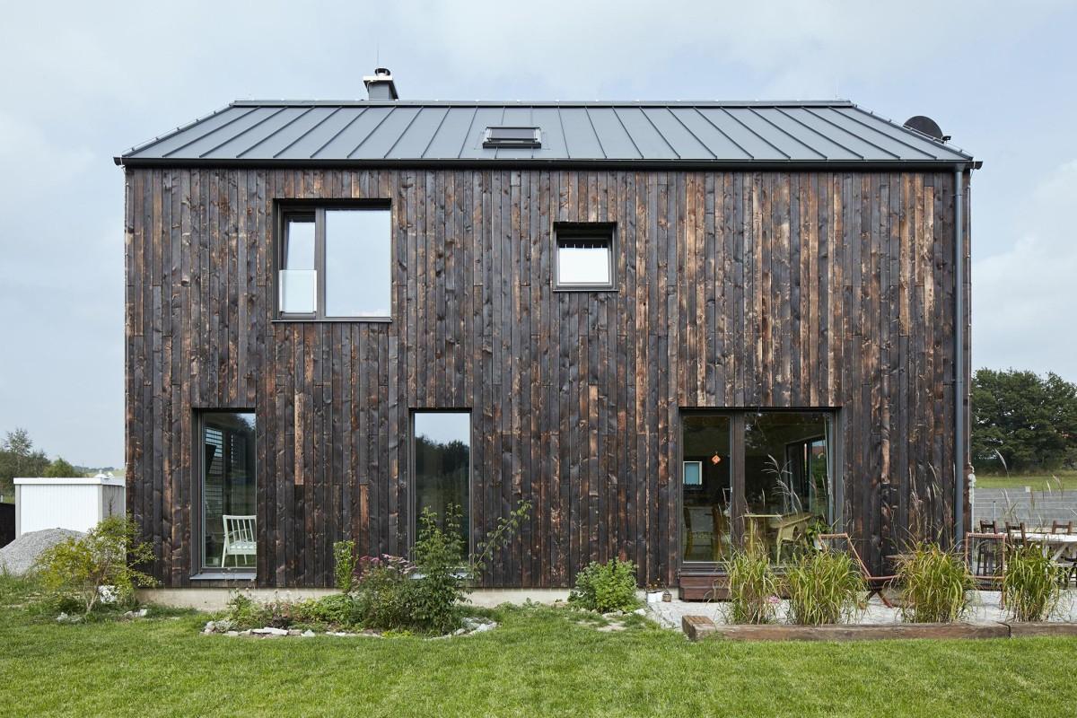Архитектура в  цветах:   Бежевый, Светло-серый, Серый, Темно-зеленый, Черный.  Архитектура в  .
