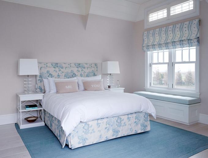 Спальня в  цветах:   Бирюзовый, Светло-серый, Серый.  Спальня в  стиле:   Неоклассика.