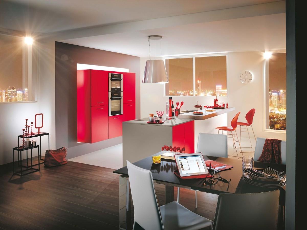 Кухня/столовая в  цветах:   Бежевый, Светло-серый, Серый, Темно-коричневый, Черный.  Кухня/столовая в  стиле:   Минимализм.