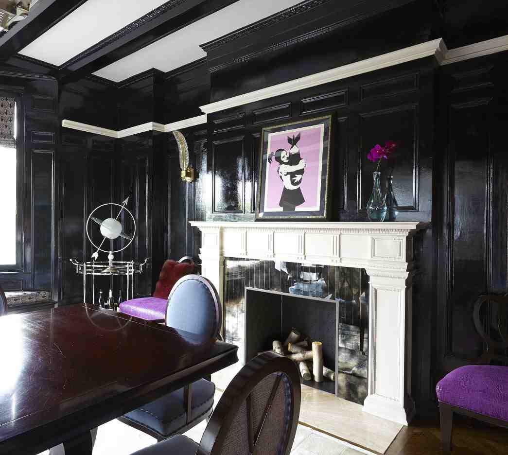Гостиная в  цветах:   Белый, Светло-серый, Серый, Темно-коричневый, Черный.  Гостиная в  стиле:   Эклектика.