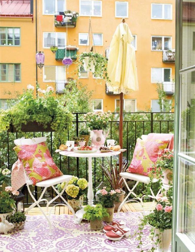 Балкон в  цветах:   Бежевый, Белый, Желтый, Светло-серый, Темно-зеленый.  Балкон в  стиле:   Минимализм.