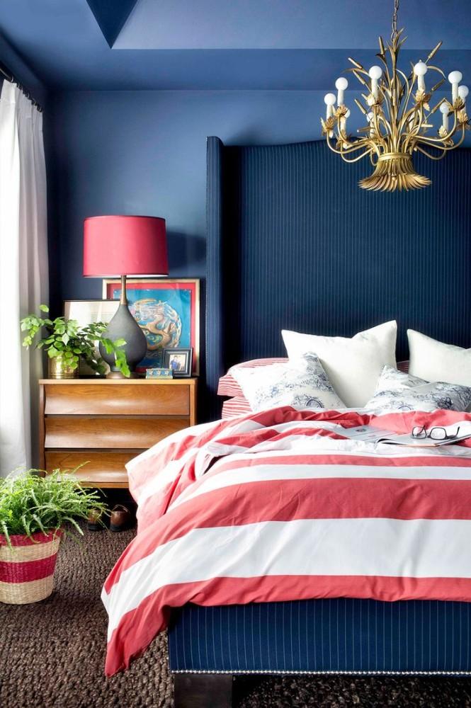 в  цветах:   Бирюзовый, Светло-серый, Синий, Фиолетовый, Черный.  в  .