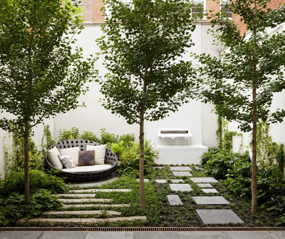Сад и участок в  цветах:   Бежевый, Белый, Светло-серый, Темно-зеленый, Черный.  Сад и участок в  .