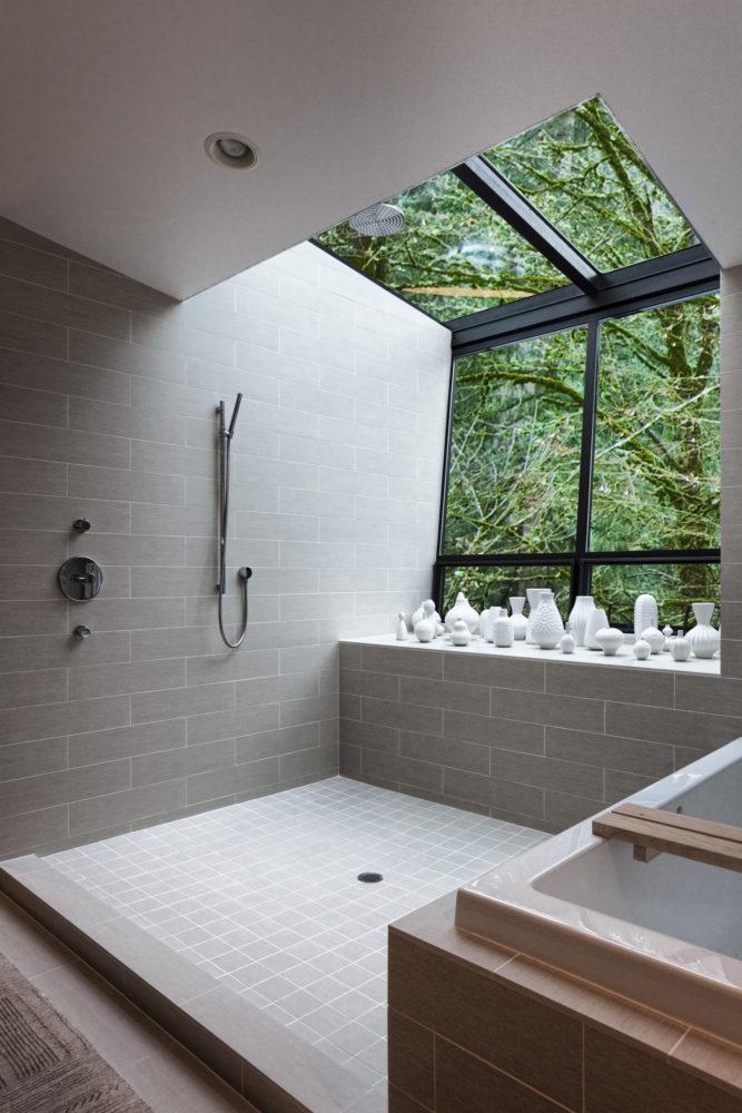 Ванная в  цветах:   Светло-серый, Серый, Темно-зеленый, Темно-коричневый.  Ванная в  стиле:   Минимализм.