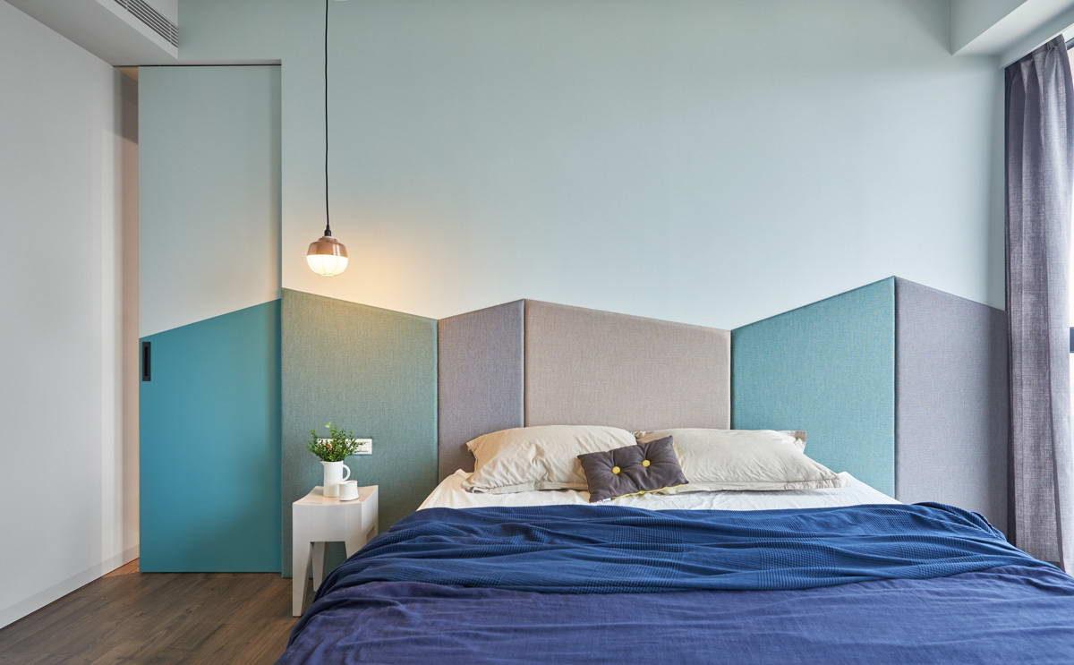 Спальня в  цветах:   Бирюзовый, Светло-серый, Серый, Фиолетовый.  Спальня в  стиле:   Минимализм.