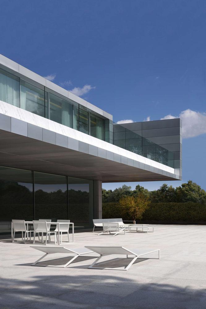 Архитектура в  цветах:   Бирюзовый, Светло-серый, Серый, Фиолетовый, Черный.  Архитектура в  .