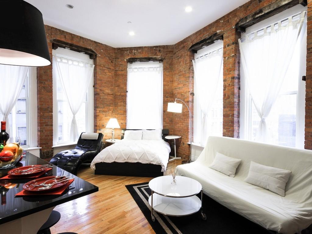 Гостиная в  цветах:   Бежевый, Белый, Коричневый, Светло-серый, Черный.  Гостиная в  стиле:   Лофт.