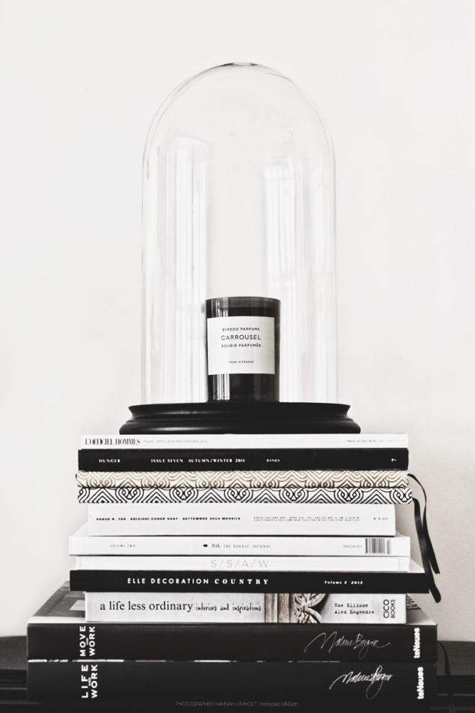 Вдохновение в  цветах:   Белый, Светло-серый, Черный.  Вдохновение в  .