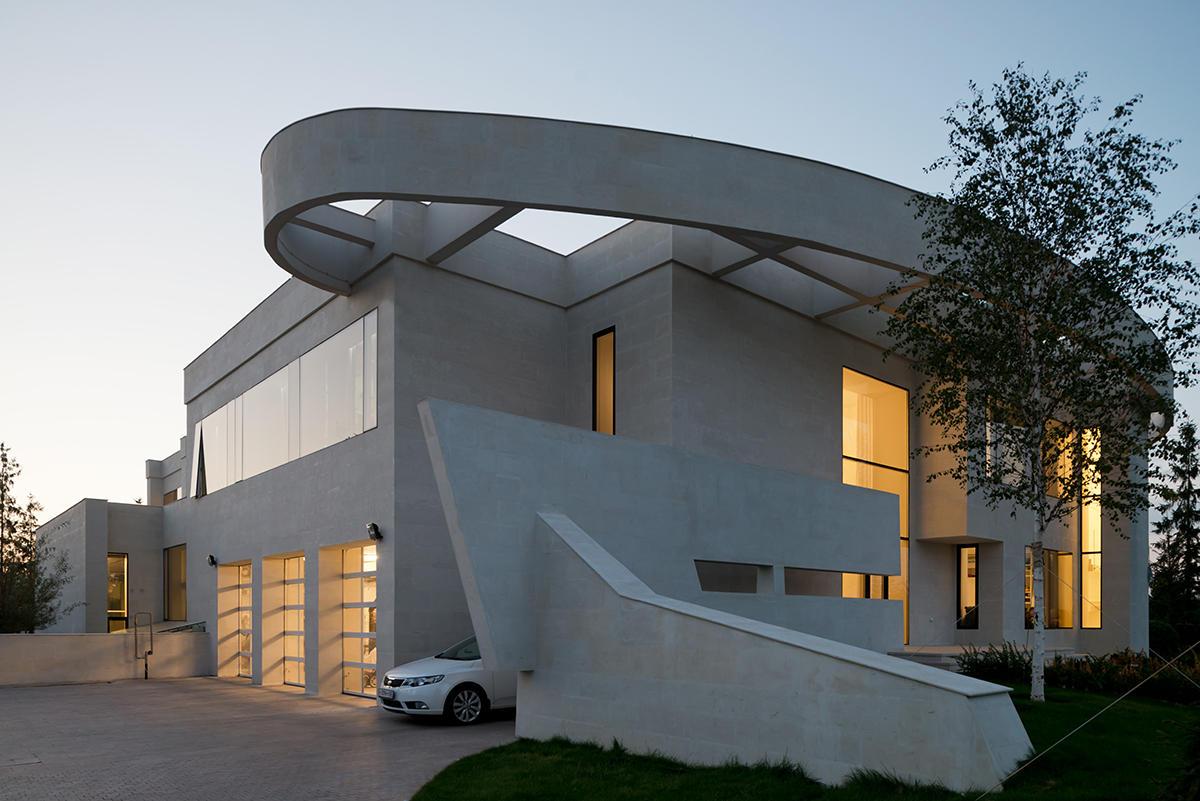 Архитектура в  цветах:   Белый, Светло-серый, Серый, Синий, Черный.  Архитектура в  .