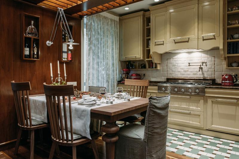 Кухня/столовая в  цветах:   Бежевый, Светло-серый, Серый, Темно-коричневый, Черный.  Кухня/столовая в  стиле:   Прованс.