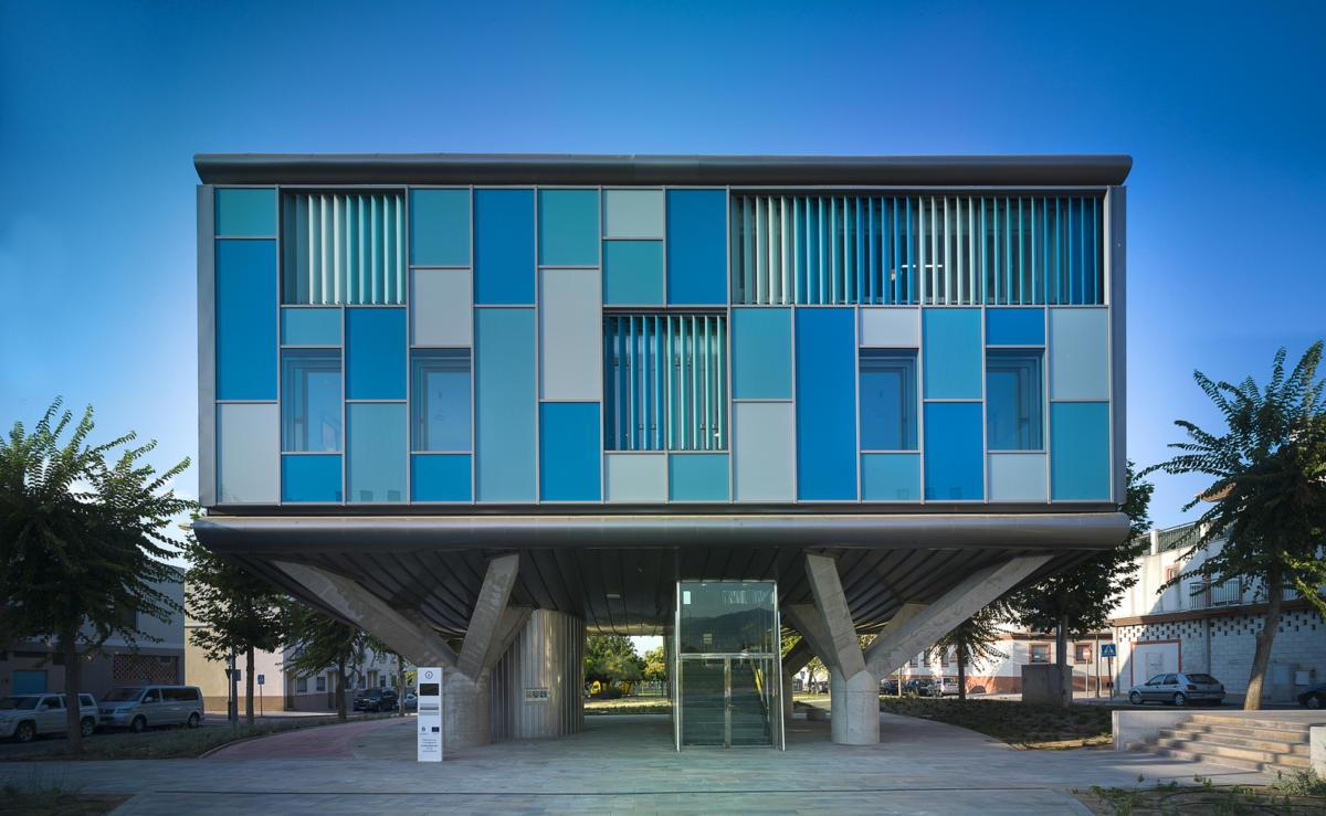 Архитектура в  цветах:   Бирюзовый, Светло-серый, Серый, Синий, Черный.  Архитектура в  .