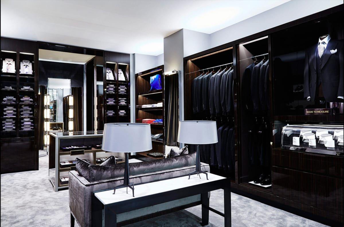 Как выглядит мужская гардеробная мечты: 13 примеров и 7 особенностей