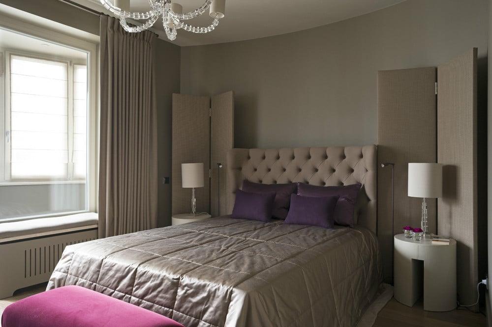 Спальня в  цветах:   Коричневый, Светло-серый, Серый, Темно-коричневый, Черный.  Спальня в  стиле:   Неоклассика.