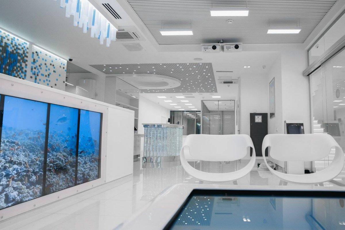 Как должна выглядеть современная больница — идеальный белоснежный интерьер