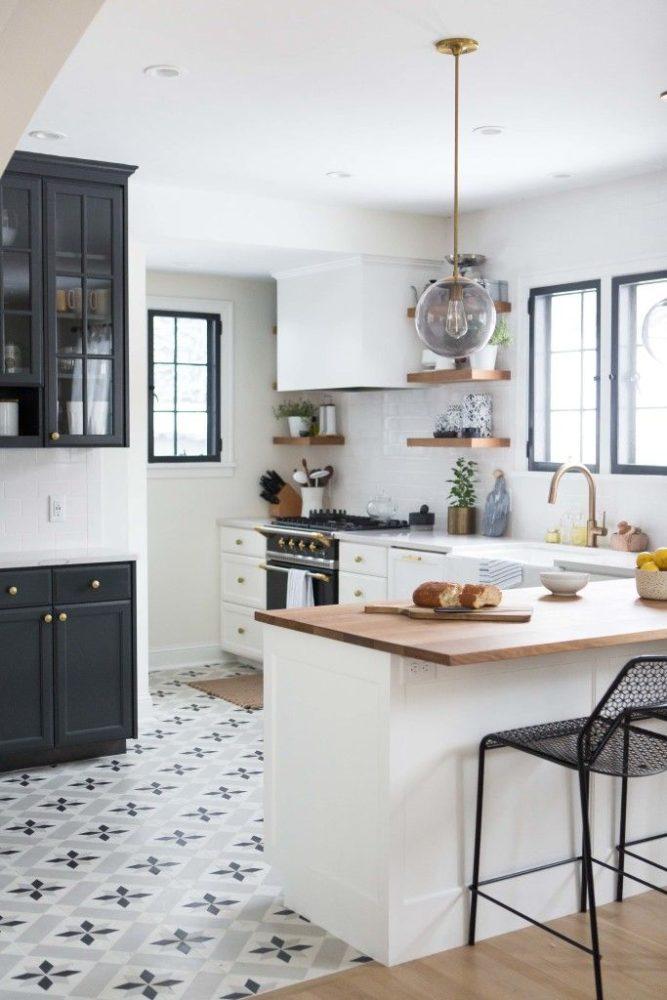 Кухня/столовая в  цветах:   Бежевый, Белый, Светло-серый, Серый, Синий.  Кухня/столовая в  стиле:   Скандинавский.