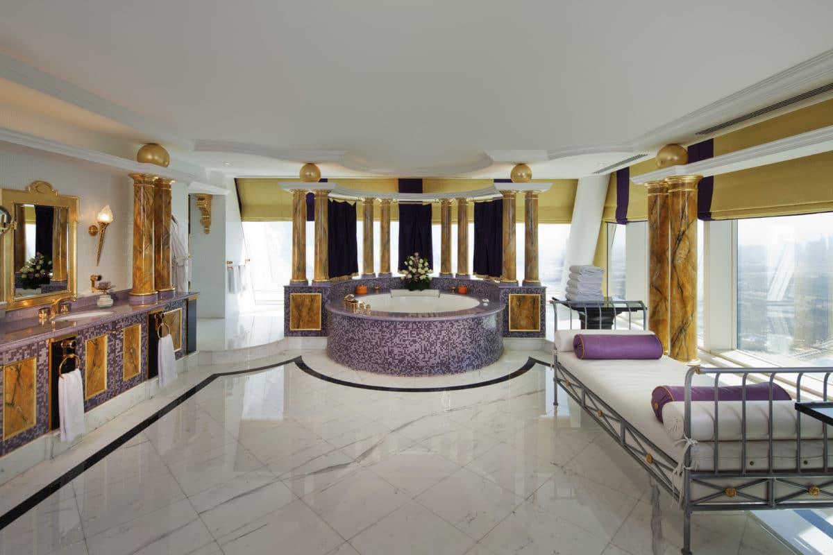 Самые роскошные ванные комнаты в лучших отелях мира