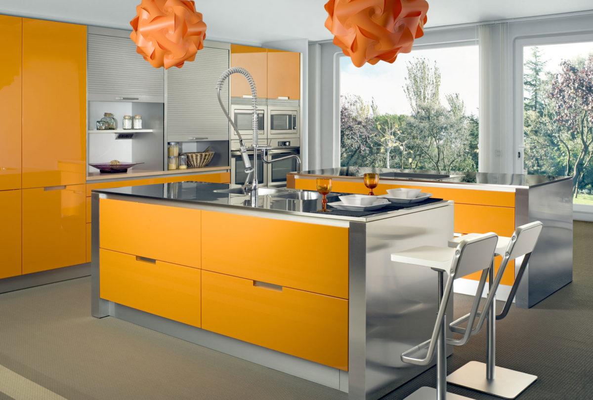 Кухня/столовая в  цветах:   Бежевый, Желтый, Светло-серый, Серый.  Кухня/столовая в  стиле:   Минимализм.