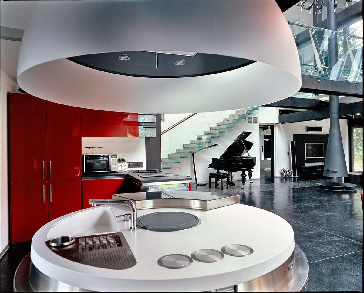 Кухня/столовая в  цветах:   Бордовый, Светло-серый, Серый, Синий, Черный.  Кухня/столовая в  стиле:   Минимализм.