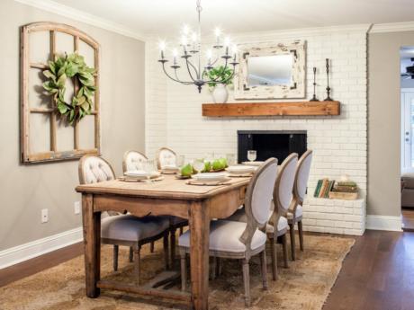 Кухня/столовая в  цветах:   Белый, Светло-серый, Коричневый, Темно-коричневый, Бежевый.  Кухня/столовая в  стиле:   Кантри.