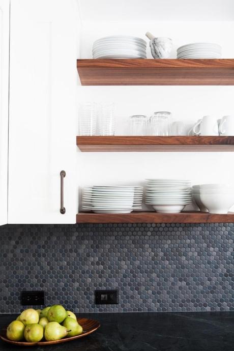 Кухня/столовая в  цветах:   Бежевый, Белый, Бирюзовый, Бордовый, Фиолетовый.  Кухня/столовая в  стиле:   Минимализм.