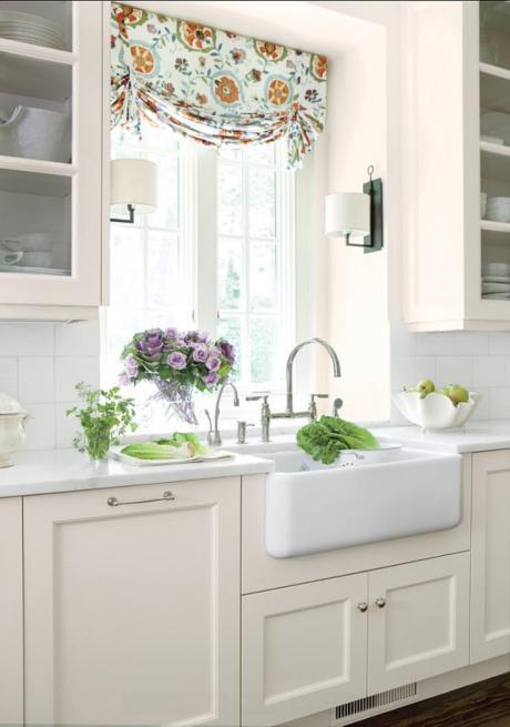 Кухня/столовая в  цветах:   Бордовый, Светло-серый, Темно-зеленый.  Кухня/столовая в  стиле:   Минимализм.