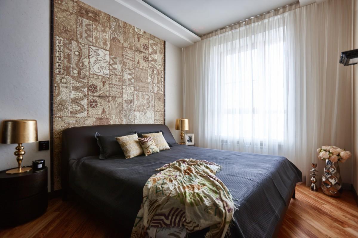 Спальня в  цветах:   Бежевый, Коричневый, Темно-коричневый, Фиолетовый.  Спальня в  стиле:   Минимализм.