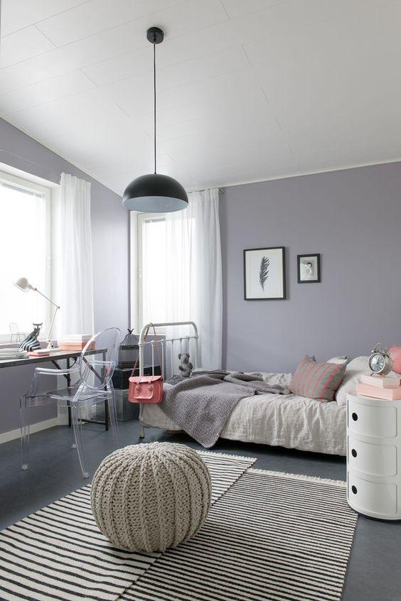 Спальня в  цветах:   Бежевый, Бордовый, Светло-серый, Серый.  Спальня в  стиле:   Скандинавский.