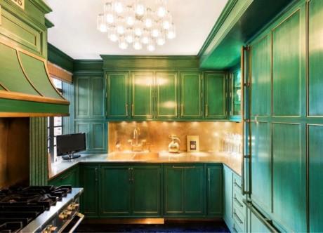 Кухня/столовая в  цветах:   Бежевый, Голубой, Зеленый, Темно-зеленый.  Кухня/столовая в  стиле:   Неоклассика.