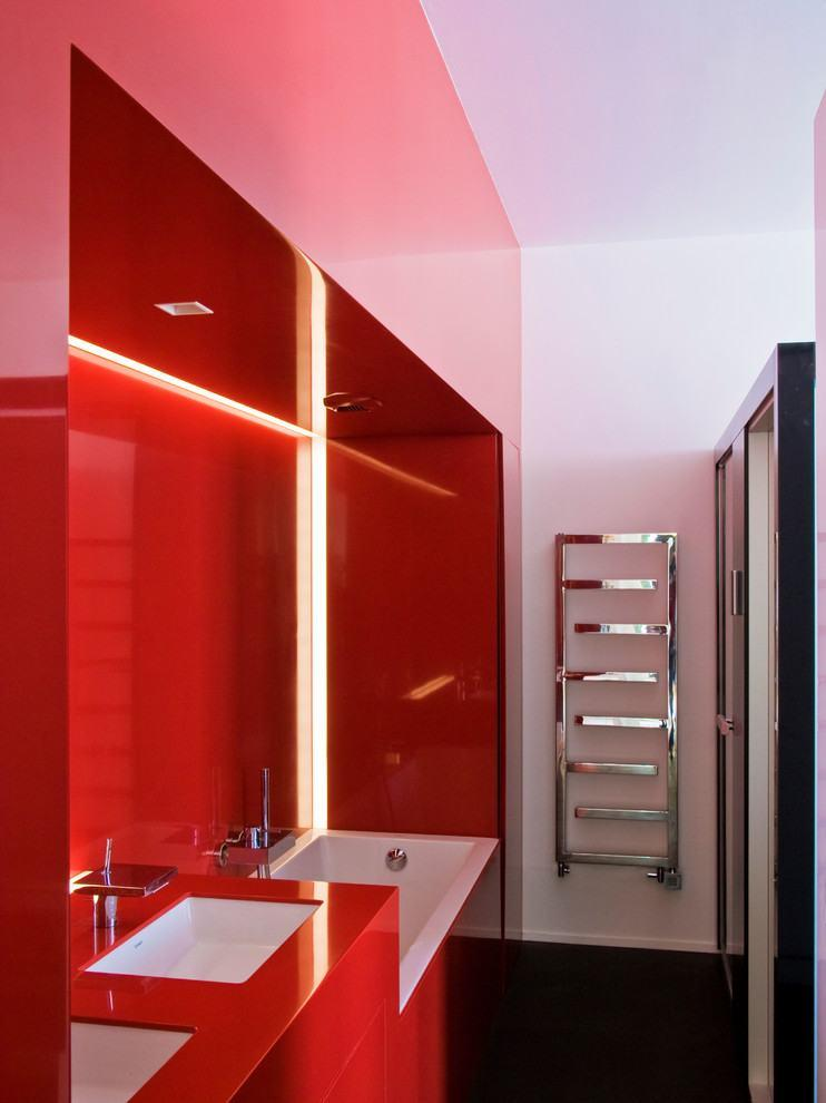 в  цветах:   Бордовый, Красный, Розовый, Фиолетовый.  в  .