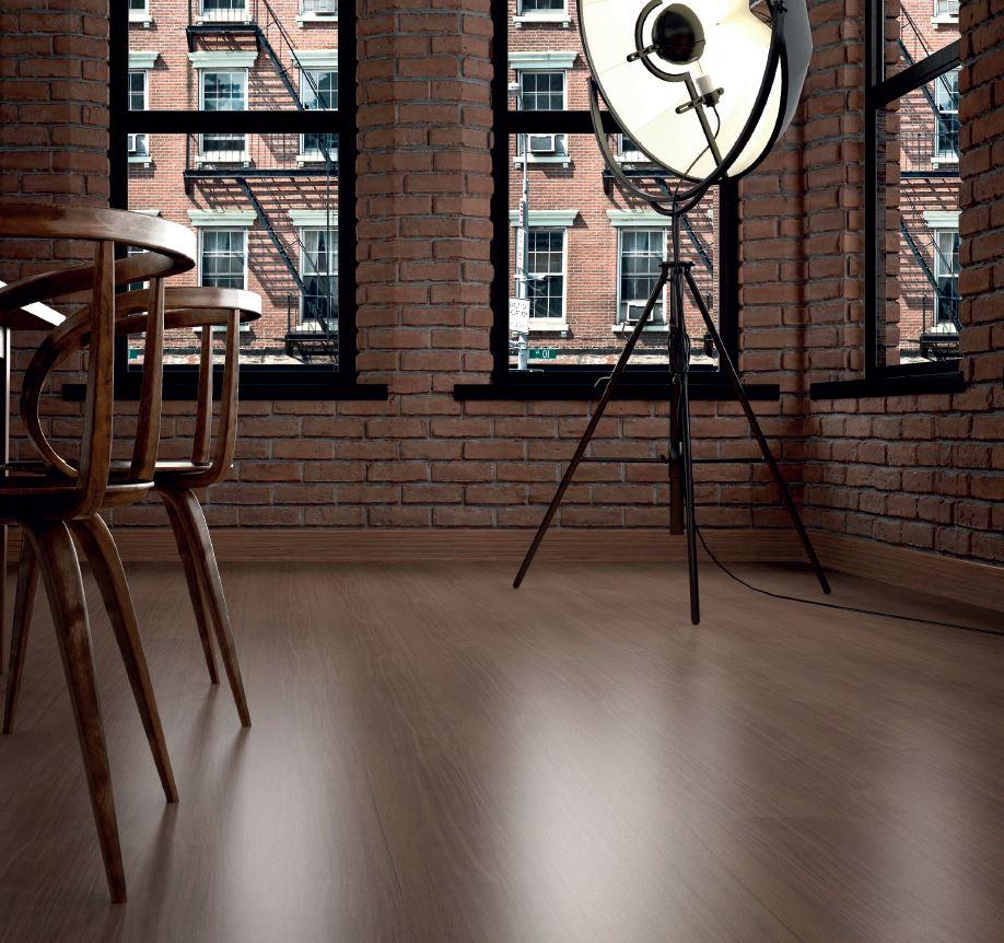 Кухня/столовая в  цветах:   Бирюзовый, Оранжевый, Светло-серый, Темно-коричневый.  Кухня/столовая в  стиле:   Лофт.