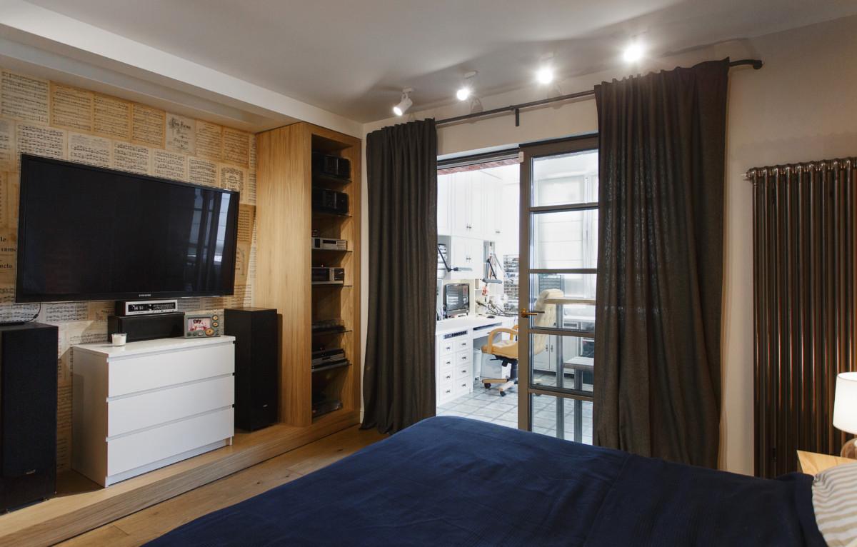 Спальня в  цветах:   Бежевый, Светло-серый, Серый, Темно-коричневый.  Спальня в  стиле:   Минимализм.