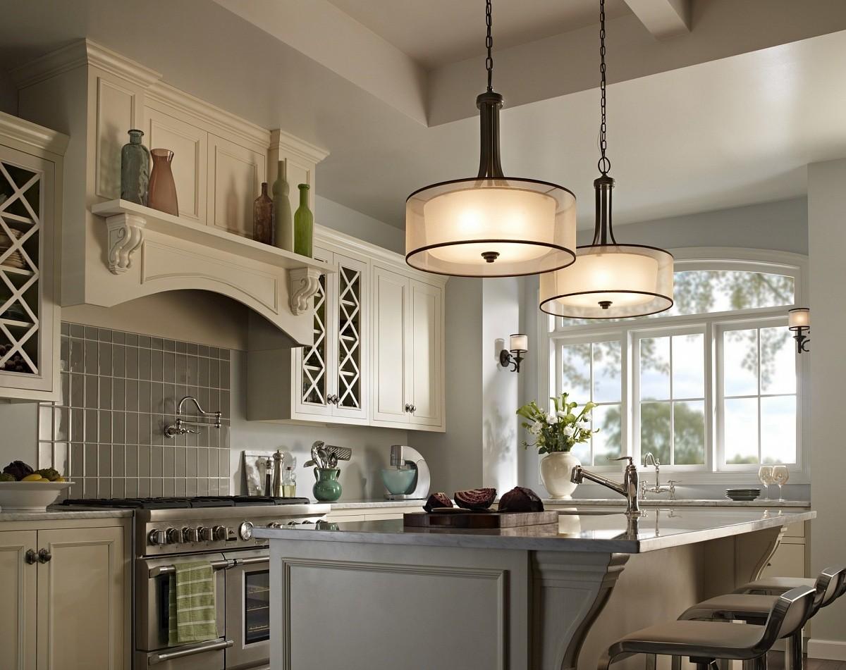 Кухня/столовая в  .  Кухня/столовая в  стиле:   Неоклассика.