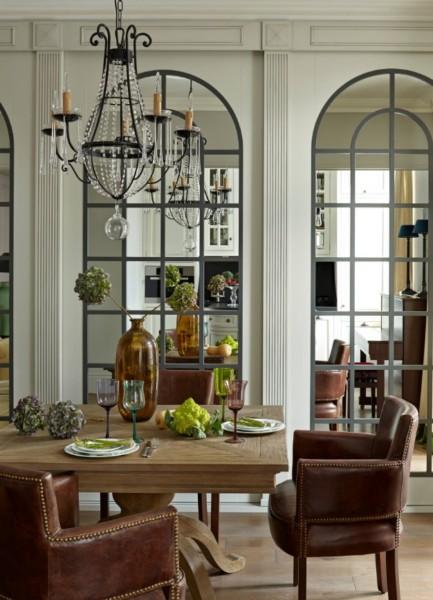 Кухня/столовая в  цветах:   Бежевый, Светло-серый, Темно-коричневый.  Кухня/столовая в  стиле:   Неоклассика.