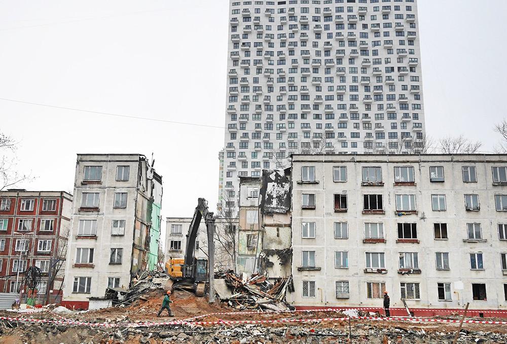Один миллион москвичей в ближайшие годы переселятся из аварийного жилья
