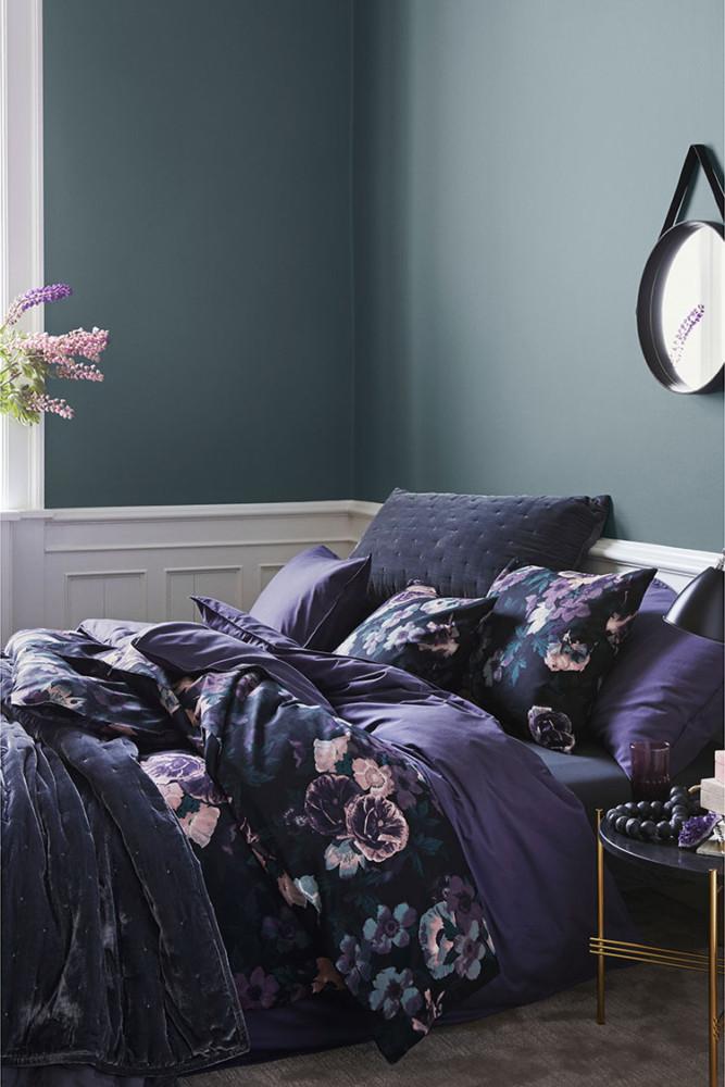 в  цветах:   Бирюзовый, Светло-серый, Серый, Фиолетовый.  в  .