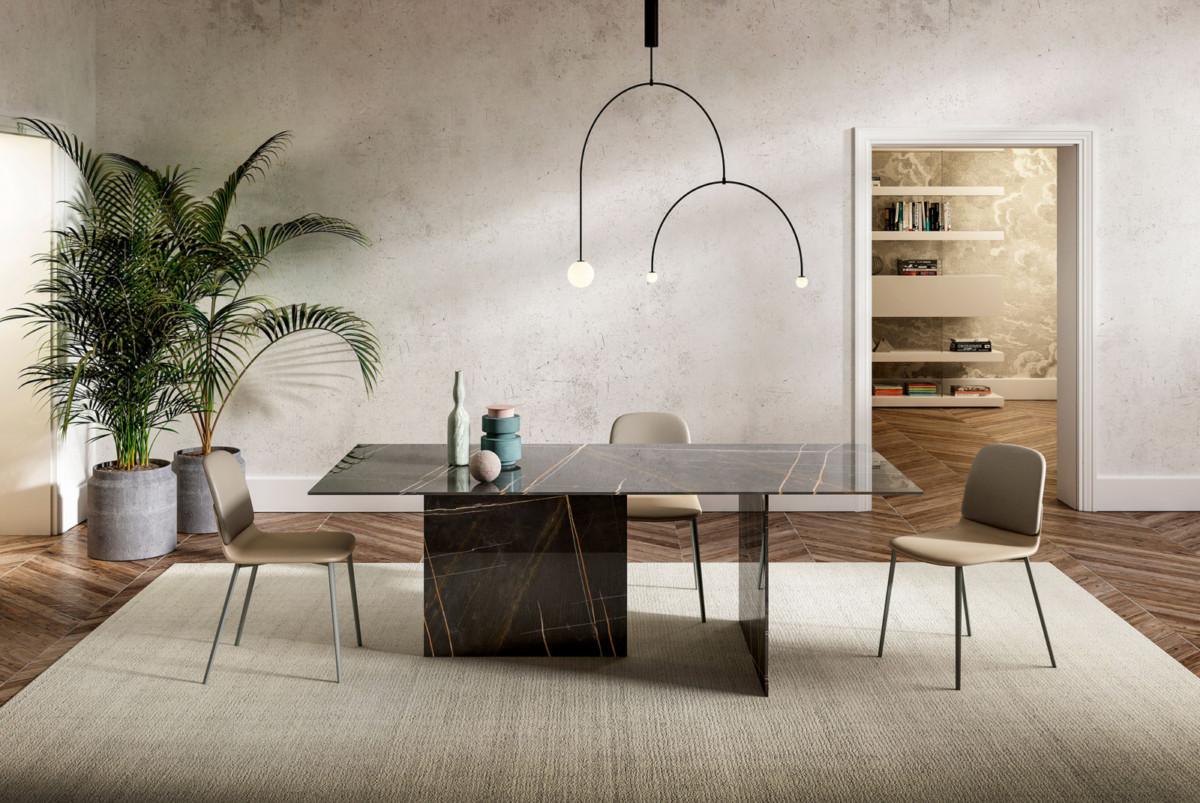 «Мраморные» столы и «деревянные» фасады из закалённого стекла