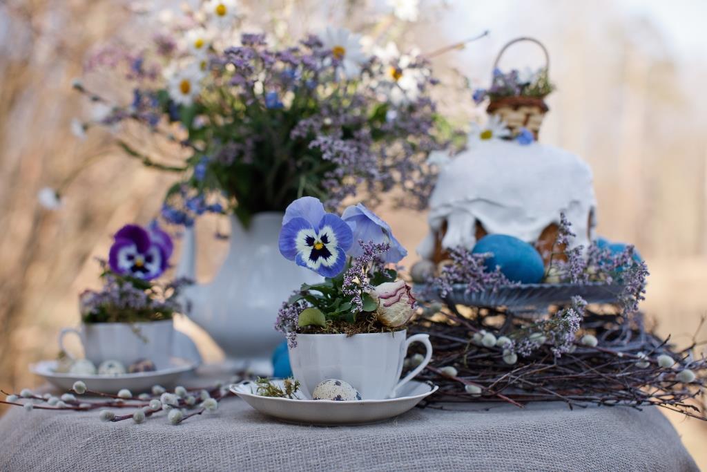 Как украсить стол на Пасху: фото идей от дизайнера