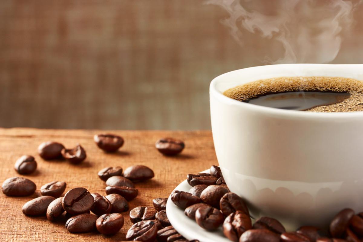 Smeg выпустил новую модель кофеварки DCF02