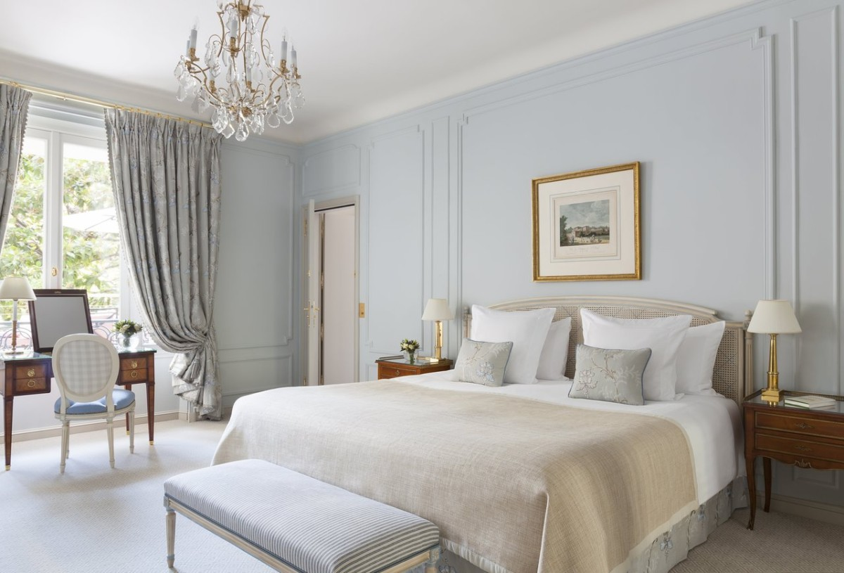 Шторы в спальню: 12 разных вариантов, которые вы должны увидеть