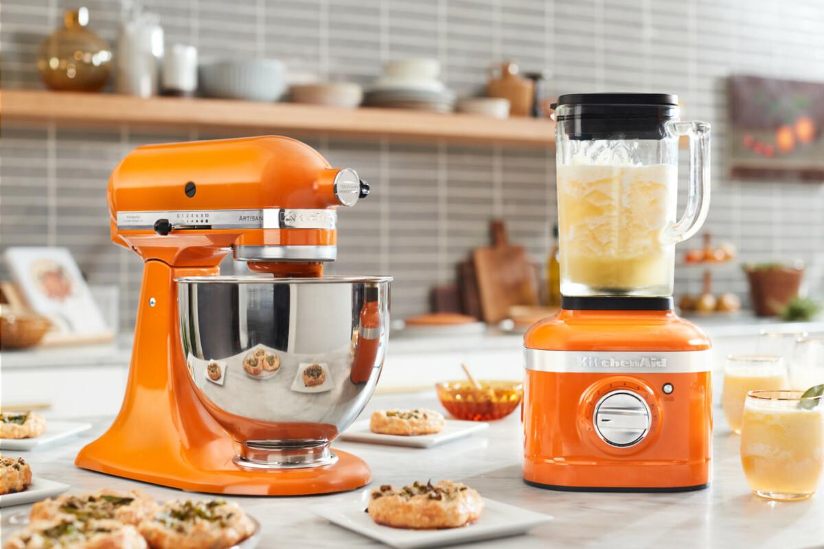 Компания KitchenAid выпустила миксер и блендер в новом цвете «Мёд»
