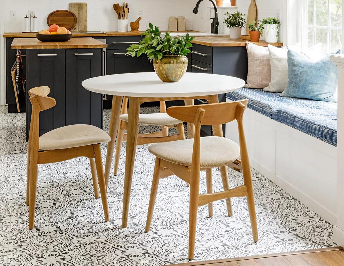 Стоит ли объединять кухню и гостиную: взвешиваем за и против